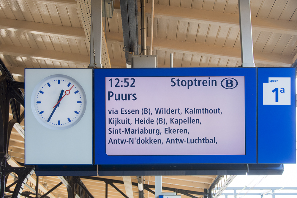 Destination board for Puurs