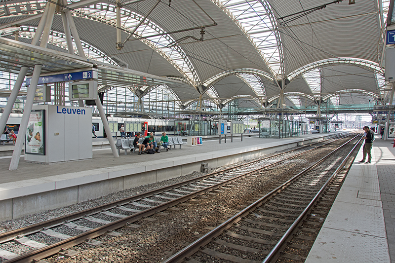 Leuven station platforms