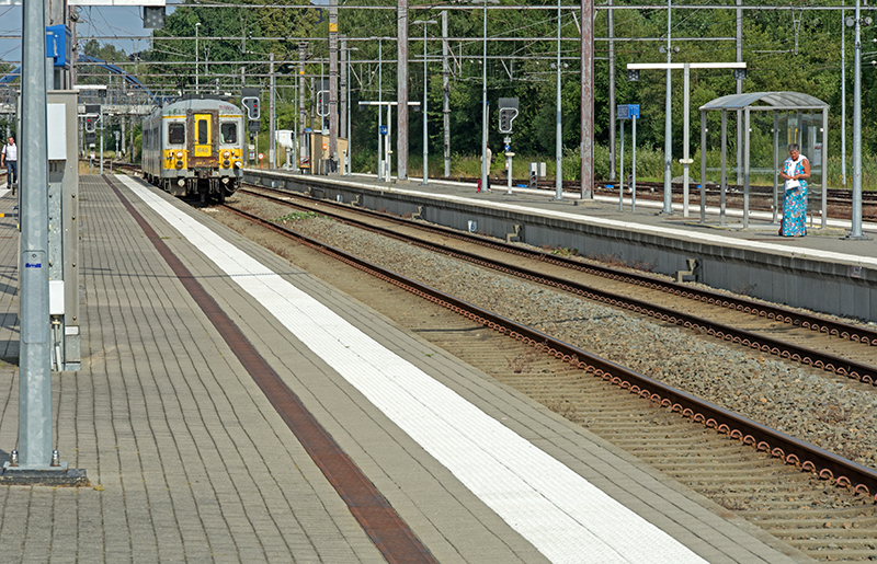 Train from Aachen coming in